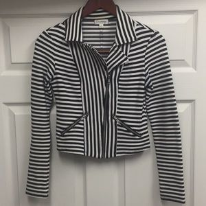 Black & White Cotton Jacket with Zippers sz S